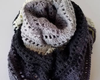 Crochet Triangle Scarf / Shawl