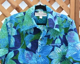 d8334f07d04 Alfred Shaheen Aloha Shirt - Vintage Hawaiian shirt - Men s large