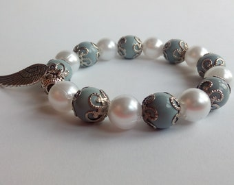 Beaded Bracelet/Woman Gift/Angelit/White pearl/Angel Wing Charm/Stretch bracelet/FREE SHIPPING