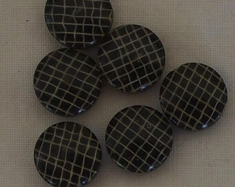 6 x Attractive Gold Lattice on Black Moulded Shanks - 12mm