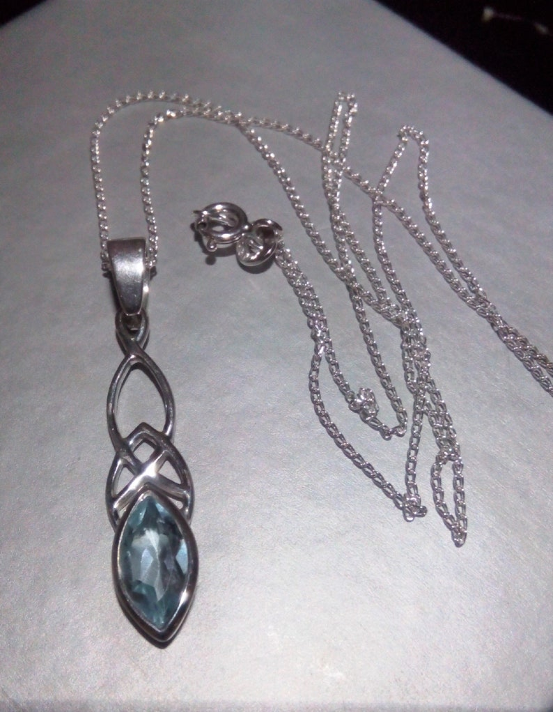 New Ladies Jewellery Sterling Silver Aquamarine Coloured Stone Necklace /& Chain