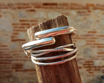 Women multi-turn steel tubes and metallic White Leather Bracelet, silver round magnetic clasp / wrap leather bracelet