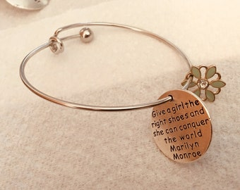 "Bracelet Charm ""Give a girl the right shoes and she can conquer the world"" - Marilyn Monroe"