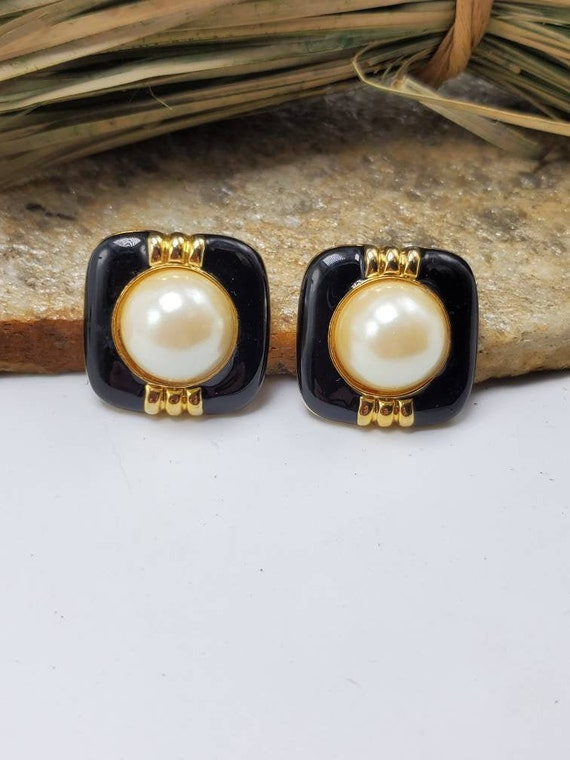 VINTAGE EARRINGS 1980/'s 80/'s fashion Pierced earrings Spring and summer jewellery Retro jewellery Cream color Square Plastic