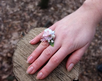 Romantic pink flower ring
