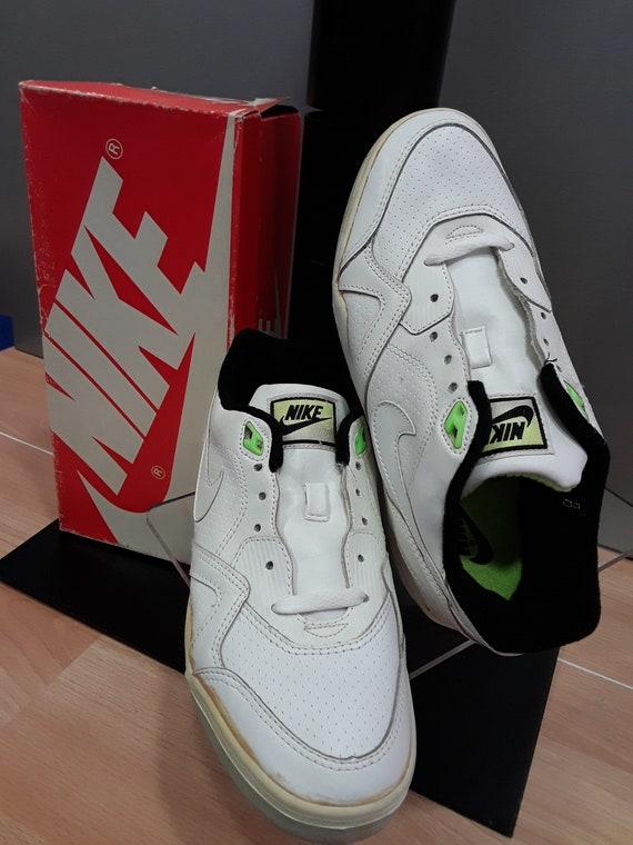 Vintage 1993 Nike Air Bound Boys Running Shoes Size 5 Black