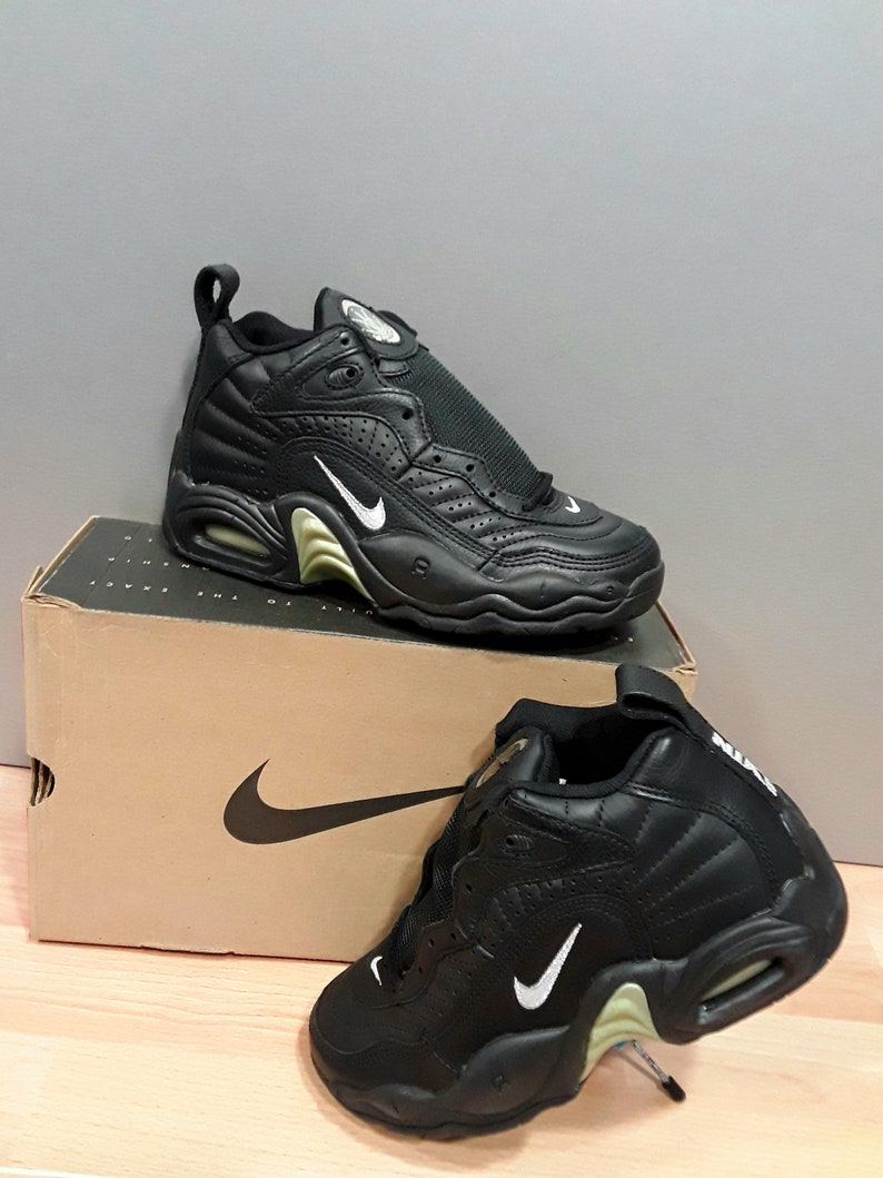 NIKE shoes NEW old stock with original box from the 1990's vintage AIR Scorin Uptempo basketball collectable shoes