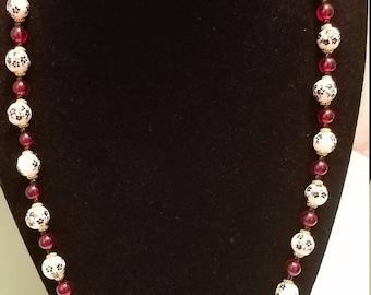 Elegant Floral Beaded Necklace