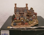 Lilliput Lane - CHATSWORTH BLOOMS 1998 Rare - Boxed No Deed Offers welcome