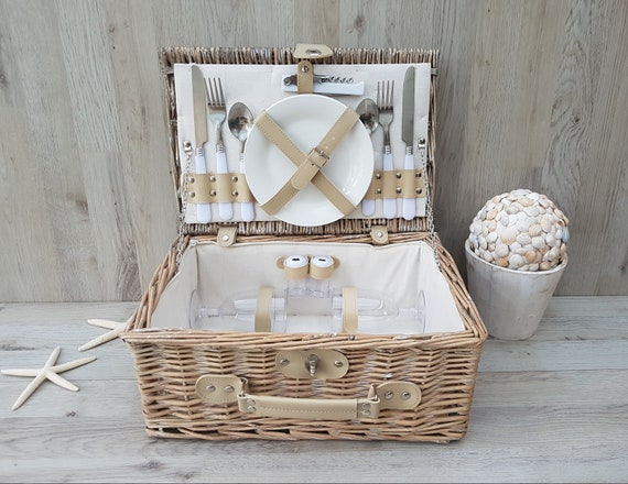Vintage wicker picnic basket for 2, Wine & Cheese