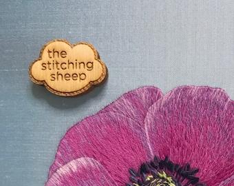 The Stitching Sheep Needle Minder
