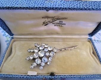 1cea073a7 A pretty vintage faceted rhinestone hair clip