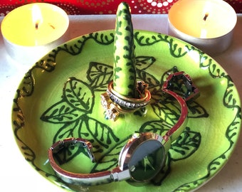 Green ring holder, green leaves bedside jewelry holder, ring dish