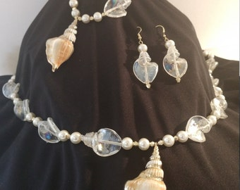 Sea shells and Pearls Jewelry Set