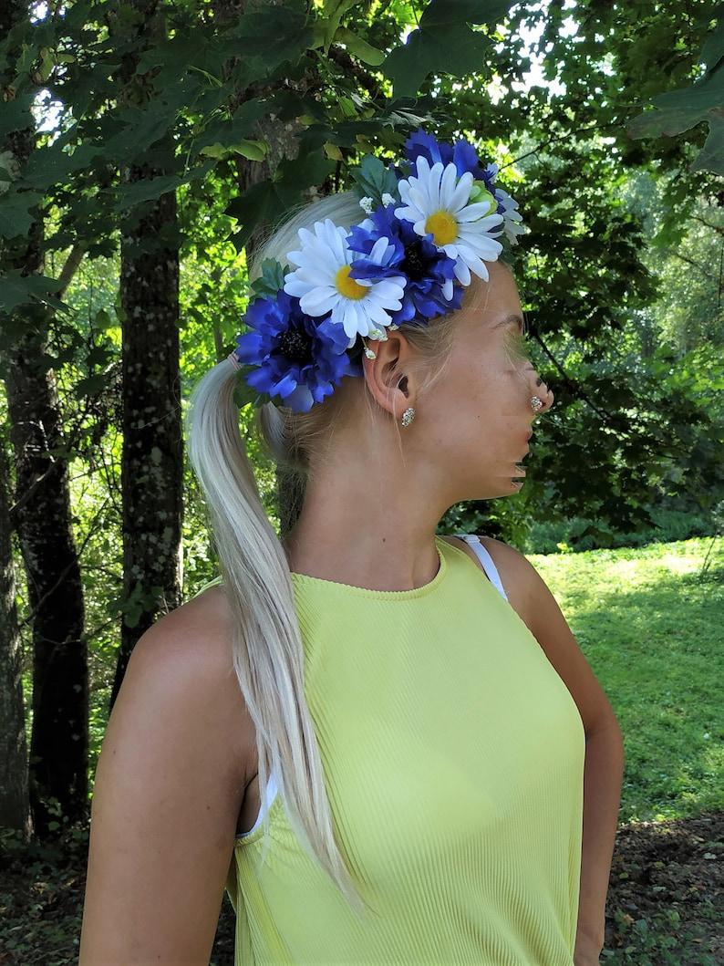 Blue flower wreath Cornflower belt Garden flower party White and blue flower headband Daisy flower belt Blue Cornflower wreath Daisy crown