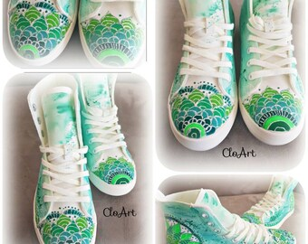 Art in Green- Lovely hand-painted sneakers Hand Painted Mandalas, Mandalas Sneakers, Mandalas Shoes, Green Sneakers, Art Shoes, Mandalas