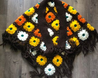 Vintage 60s 70s Knitted Floral Poncho