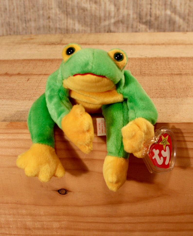 195fab0811a Ty Beanie Baby Smoochy the frog from 1997