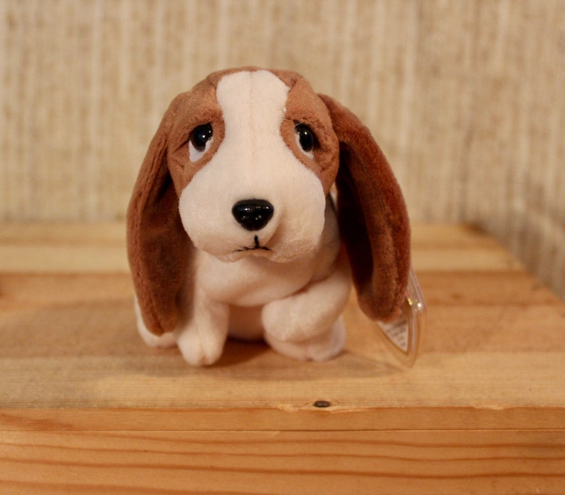 c512bc43c7d Ty Beanie Babies Tracker the hound dog from 1997