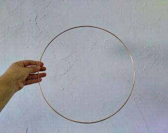 Circle Naked - Gold - Metal - Several Sizes