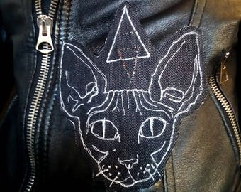 Sphynx cat with sparkly halo, freehand machine embroidered iron on patch