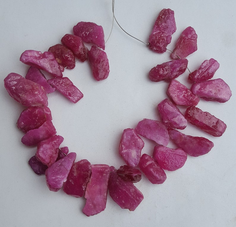 50/% off~~~ Precious Ruby rough~~~ Raw Ruby~~8-9 MM~~ 30 pieces~~~ Side Drill~~~ jewelry making~~~ Wholesale price~~389 carats