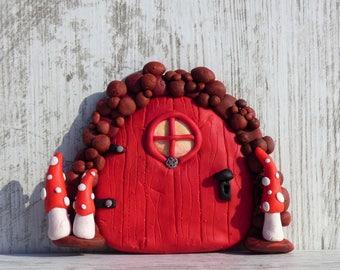 Door of the fairies with mushrooms
