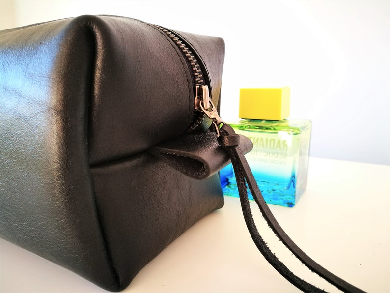 Men/'s leather toiletry bag