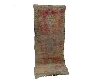 Moroccan Berber Vintage narrow runner rug 3x9, morrocan boujad tribal kilim rugs Boho Decor, bathroom boucherouite Bohemian stair runners.