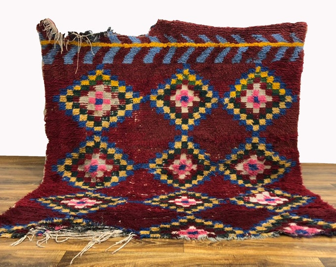 One of a kind Vintage Moroccan rug 6x6 ft!