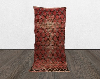 3x8 Moroccan rug runner, Morrocan vintage red rug runner, bohemian rug, Moroccan boujad rugs, Morrocan rug, Boujaad runner rug, Berber rug