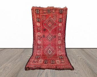 Moroccan vintage large rug 5x9 ft!
