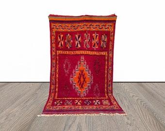 6x10 ft large vintage Moroccan rug!