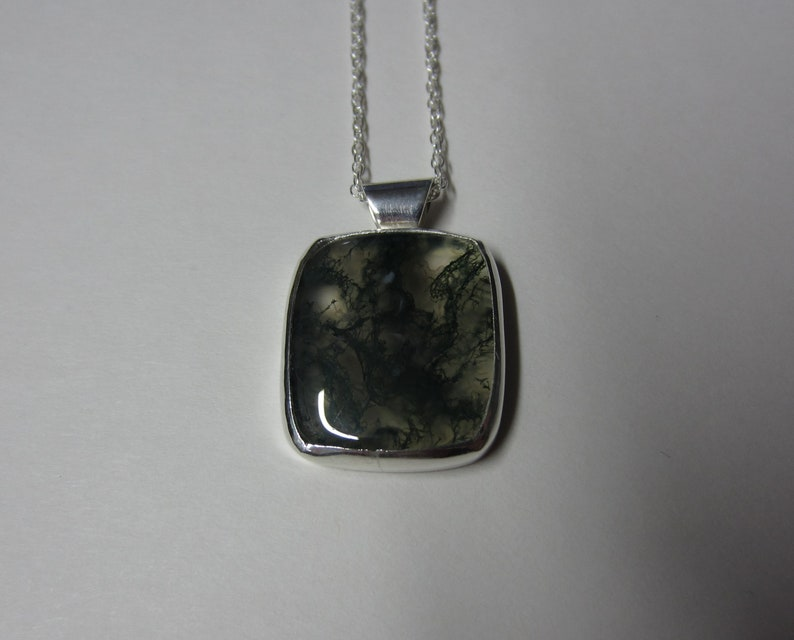 moss agate pendant set in sterling silver