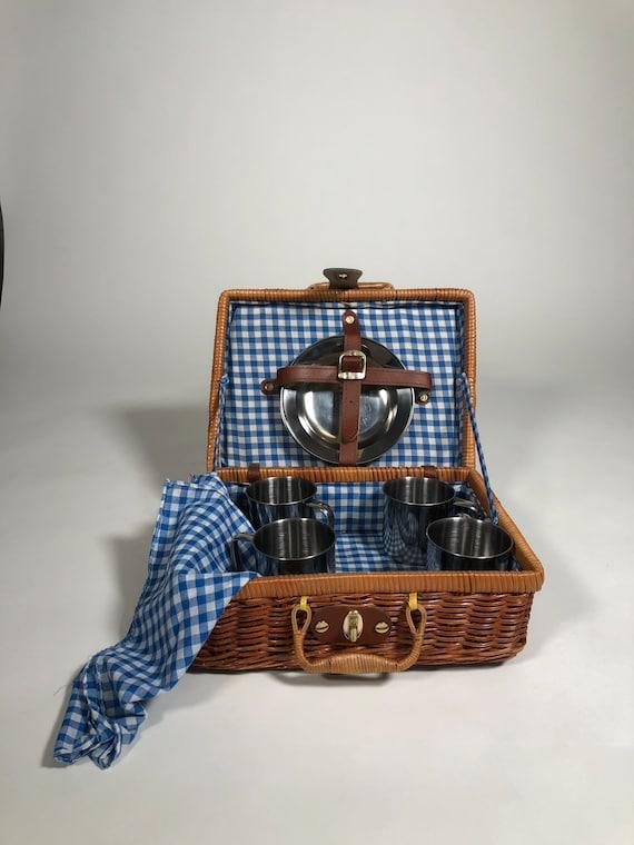 Vintage Wicker Picnic Basket Handbag