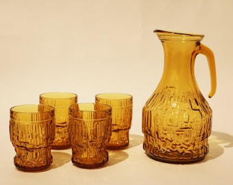 Drink set. Glass pitcher with 4 matching glasses