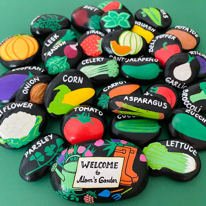 Mom's Garden Stone, Welcome to my garden sign, Garden Rock, Mothers Day gifts, Painted stone, Gifts for Her
