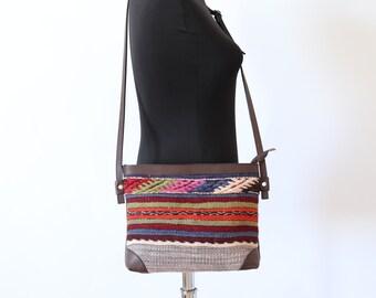 61bb7cc3ea37 Boho Kelim Tasche südwestlichen Crossbody Vintage Kelim Teppich Teppich  Leder cross Body Bag Boho Boho Hippie Ethno Stammes Azteken Tasche Verkauf