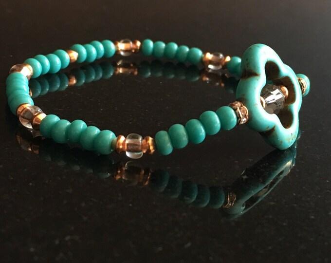 Quatrefoil Magnesite Bracelet, minimalist design (Turquoise)