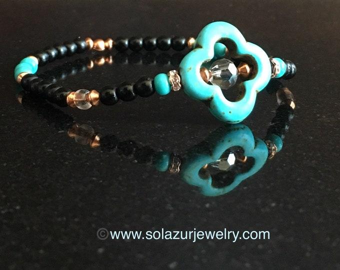 Magnesite Quatrefoil Bracelet, Minimalist design (Black)