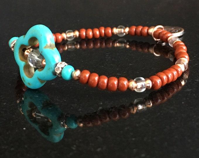 Quatrefoil Magnesite Bracelet, minimalist design (Brown)