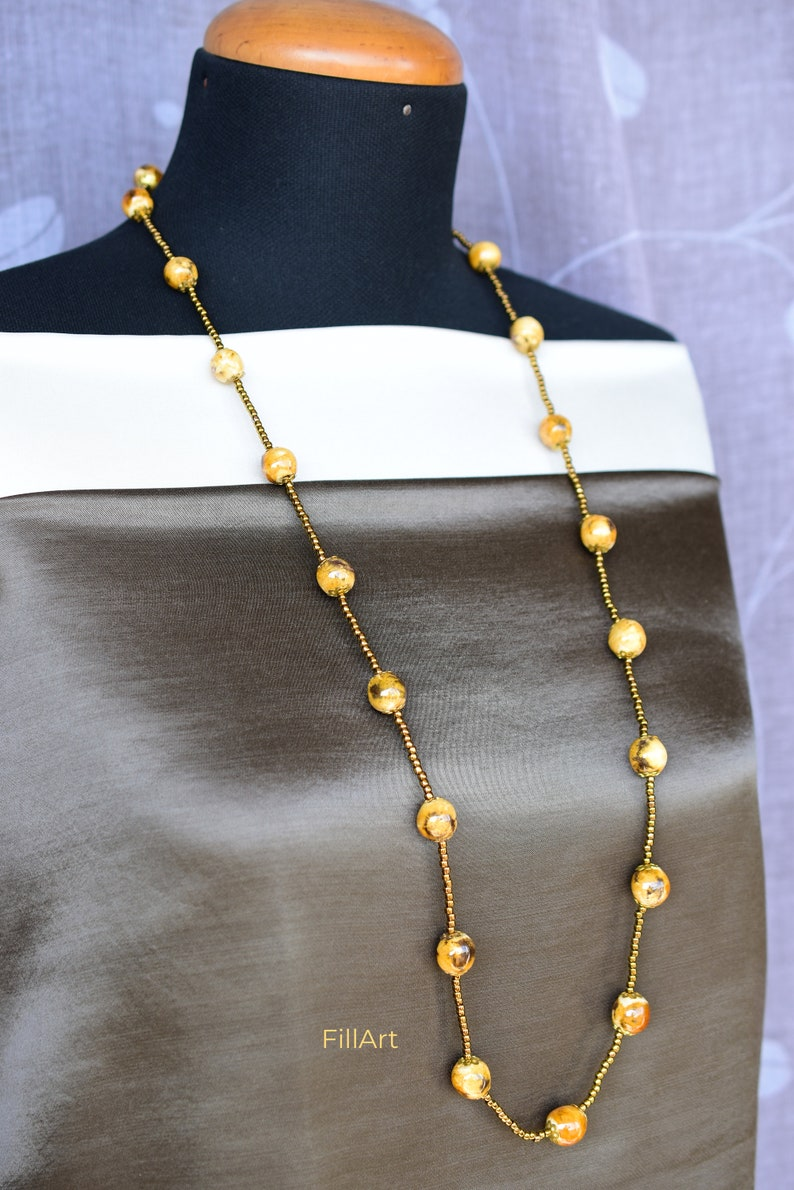 Necklace Giant translucent White /& Pink Swirl Beaded 18 inch Choker Handmade