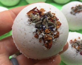 Lavender Milk & Oats Bath Bombs