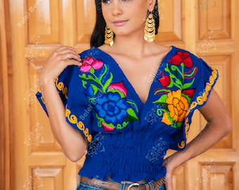 Floral Butterfly Sleeve Crop Top. Mexican Embroidered Floral Top. Low Cut Crop Top. Mexican Crop Top. Mexican Artisanal Blouse.