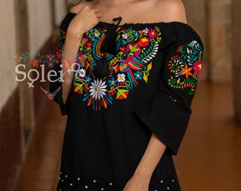 Floral Blouse with Lace. Embroidered Mexican Blouse. Traditional Mexican Top. Bell Sleeve Blouse. Off the Shoulder.Frida Kahlo.