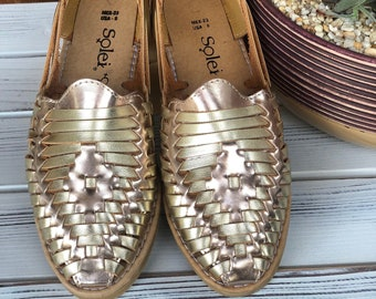 0a1bac3561a8 Artisanal Gold Flats. Mexican Leather Sandal. Cute summer sandal. Free  Shipping