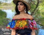 Hand Embroidered Crop Top. Mexican Floral Top. Off the Shoulder Blouse. Crop Top Chiapaneco. Hand Embroidered Top. Mexican Fashion Blouse.