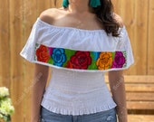 Crop Top Campesino Blouse. Mexican Floral Top. Beautiful Off the Shoulder Blouse. Mexican Flounce Crop Top. Floral Embroidered Top.