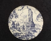 Rare Tiffany Co. quot New York Toile quot porcelain jewelry or trinket box made in England (1994).