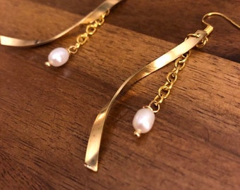 Graceful Pearl Swirl Earrings